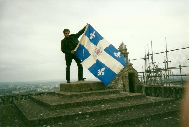 Guy Boulianne au sommet de la tour nord de la cathédrale Saint-Étienne de Bourges.