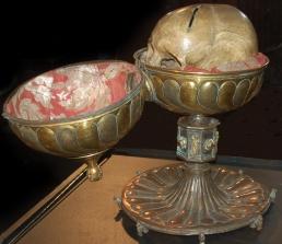 Le crâne de Dagobert II - Maison de la Mémoire de Mons.