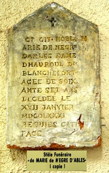 Stèle de la tombe de Marie de Nègre