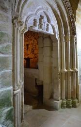 Le portail de la chapelle est retrouvé en 1965.