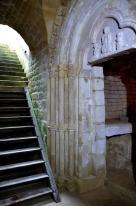 Portail de l'ancienne chapelle Saint Dagobert. Dagobert II est le dernier roi mérovingien assassiné en forêt de Woëvre en 679 et canonisé en 872.