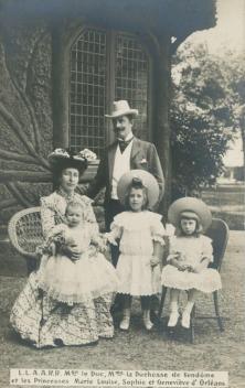 Le duc de Vendôme Emmanuel d'Orléans, son épouse la princesse Henriette de Belgique