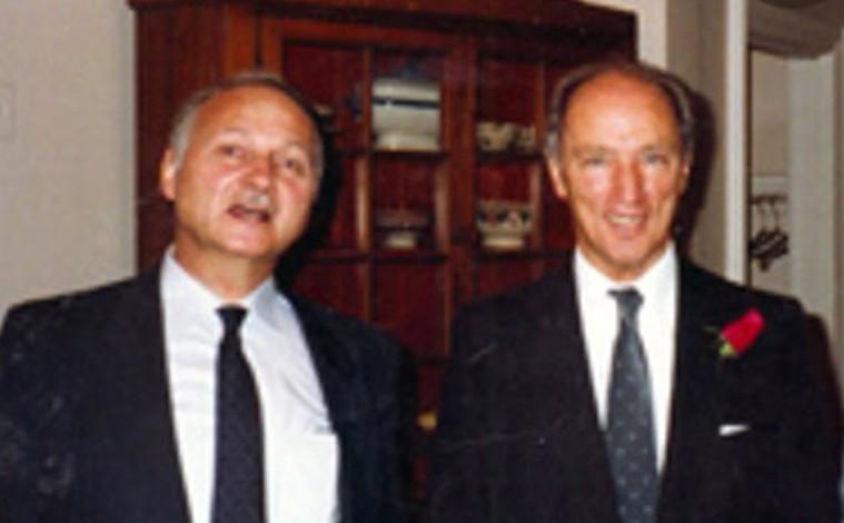 Maurice Strong et le Premier ministre du Canada, Pierre Elliott Trudeau, qui le nomma Président de Pétro-Canada en 1975.
