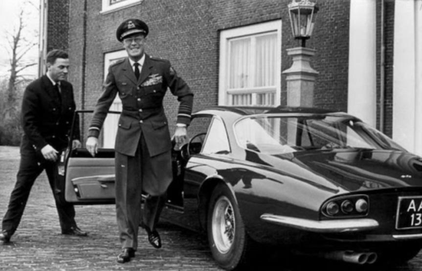 L'ancien nazi, le prince Bernhard des Pays-Bas, fondateur du groupe deBilderberg