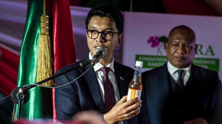 Selon le président de Madagascar, Andry Rajoelina, le Covid-Organics pourrait prévenir et guérir la maladie duCovid-19