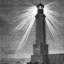 Le phare d'Alexandrie avec des faisceau lumineux direct.