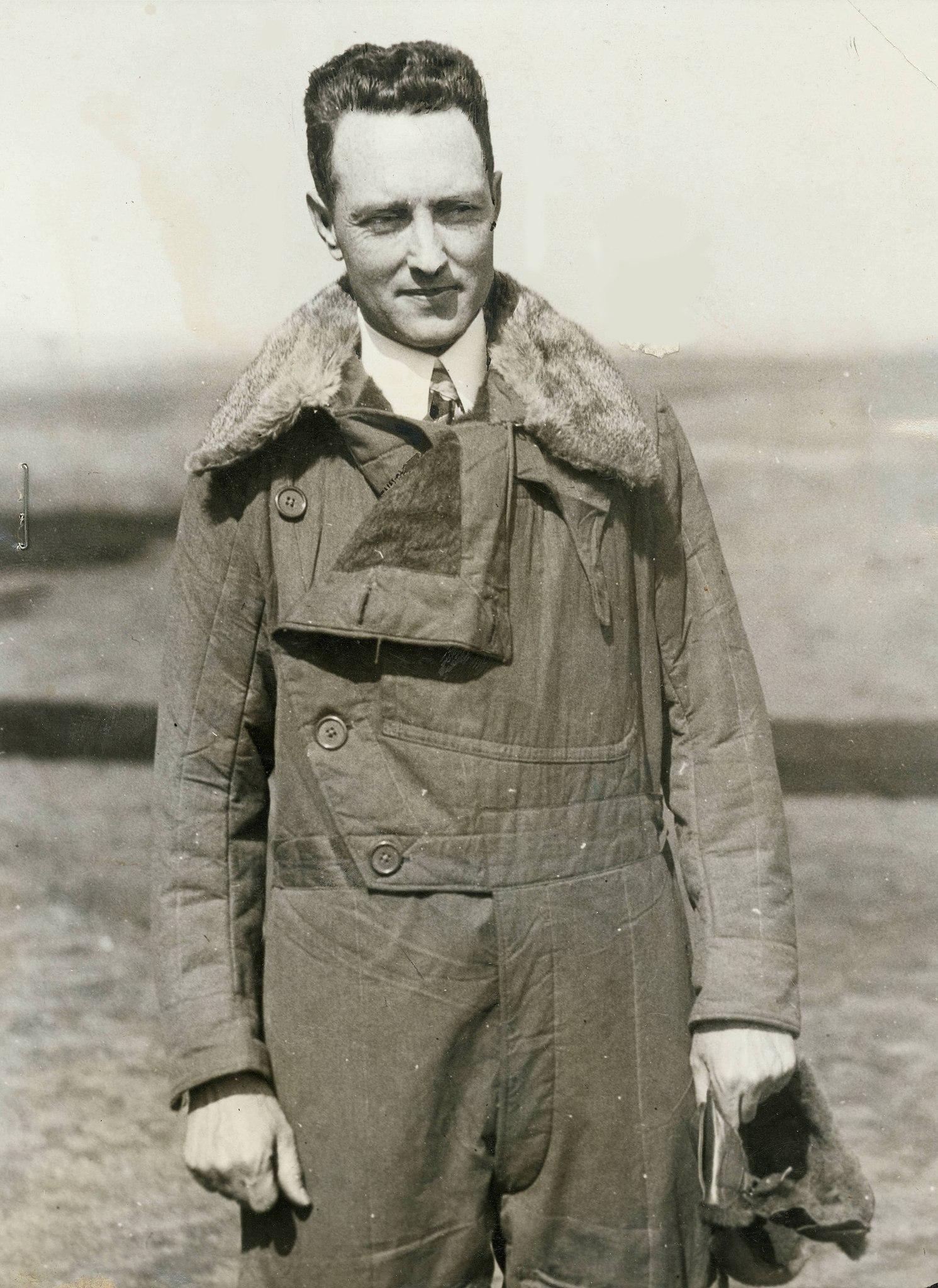 Richard Byrd en blouson d'aviateur, années 1920